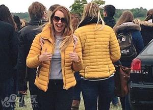 英国黄衣女子与16人撞衫