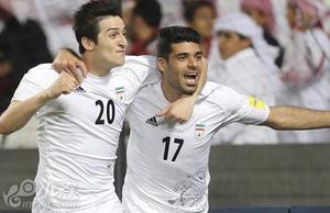 伊朗2-0乌兹 成亚洲第一支晋级球队