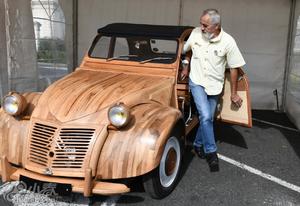 法国退休木工手工打造木制老爷车