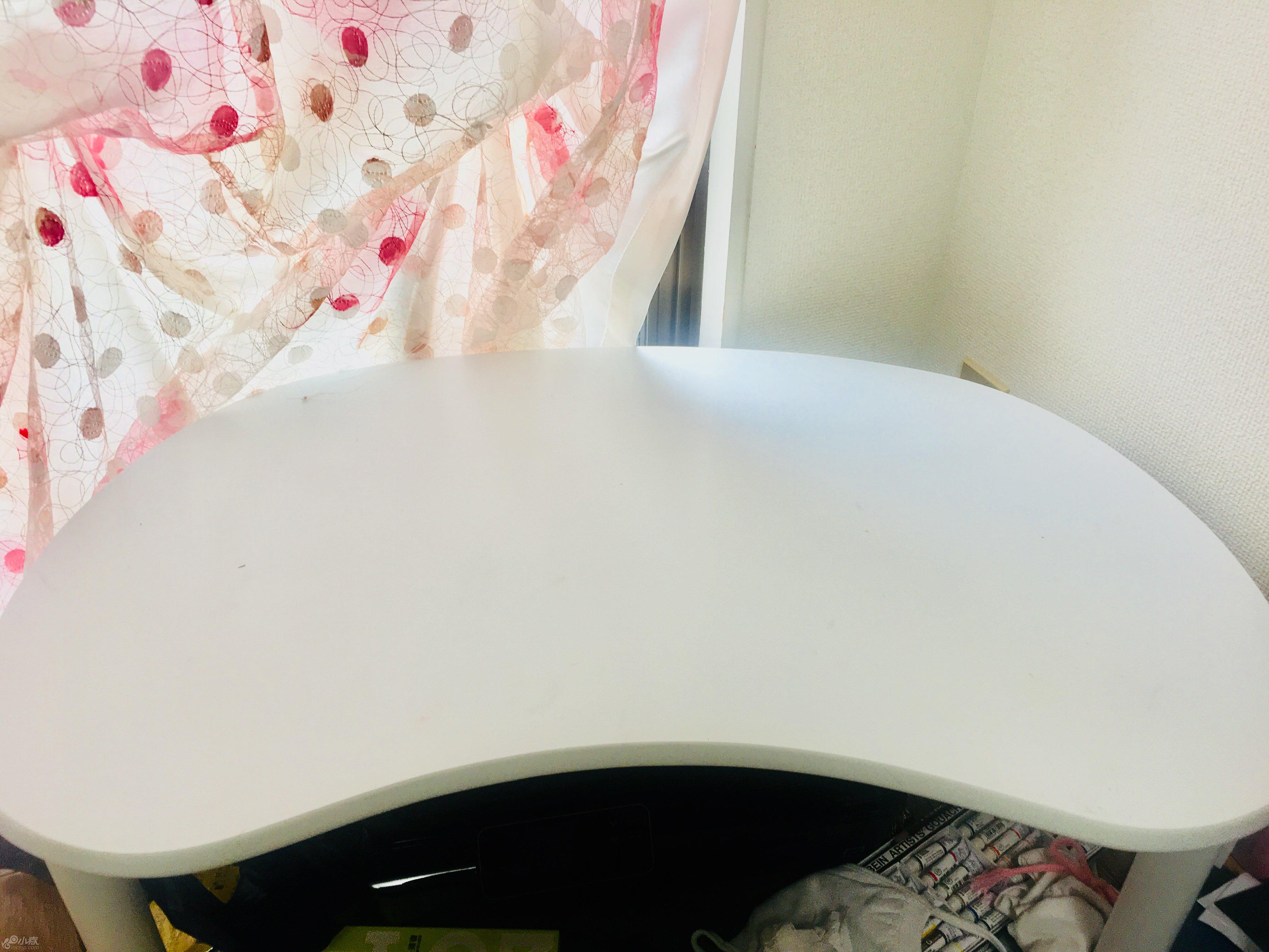 圆形小桌子