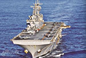"""美""""黄蜂""""号两栖攻击舰进驻日本"""