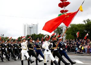 白俄罗斯举行盛大阅兵庆祝独立日