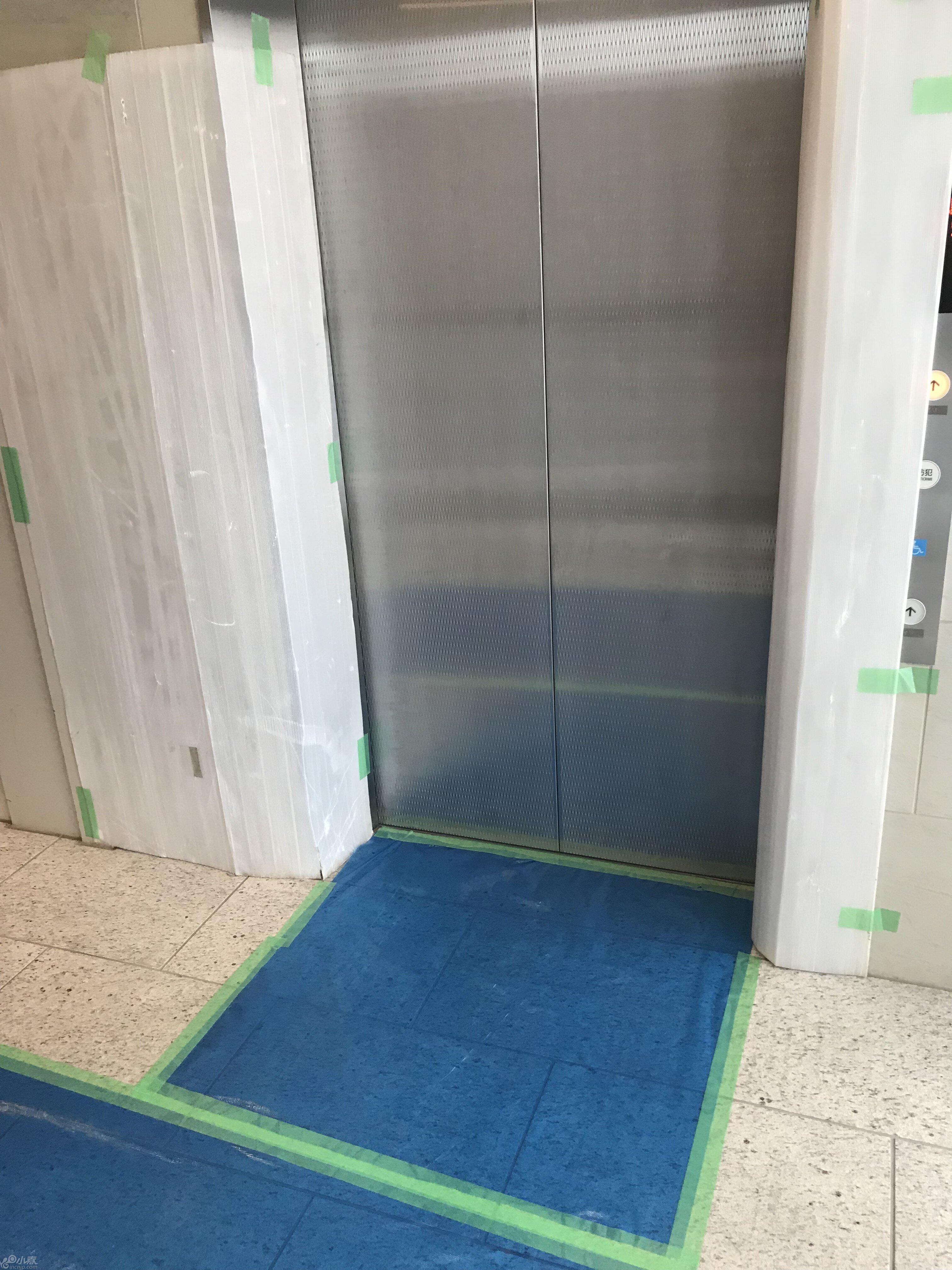 养生电梯口.JPG