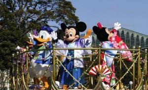 迪士尼众明星身着日本和服喜迎2020年到来