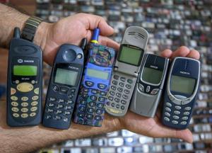 土耳其男子热衷收藏手机20多年