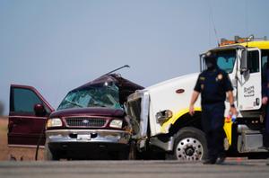 美国加州南部发生严重车祸 至少15人死亡