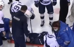 俄罗斯冰球运动员被球击中身亡