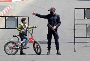 加沙地带为控制疫情再次宵禁