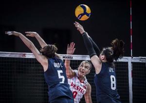 中国女排0-3不敌土耳其