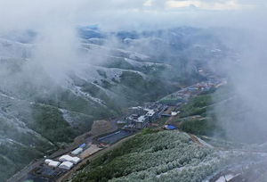 冬奥场馆群迎来降雪天气