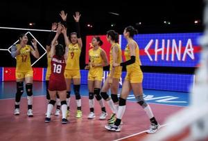 中国女排收官战3比0完胜美国队