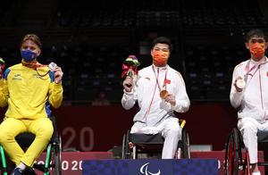 轮椅击剑:李豪夺中国队首金